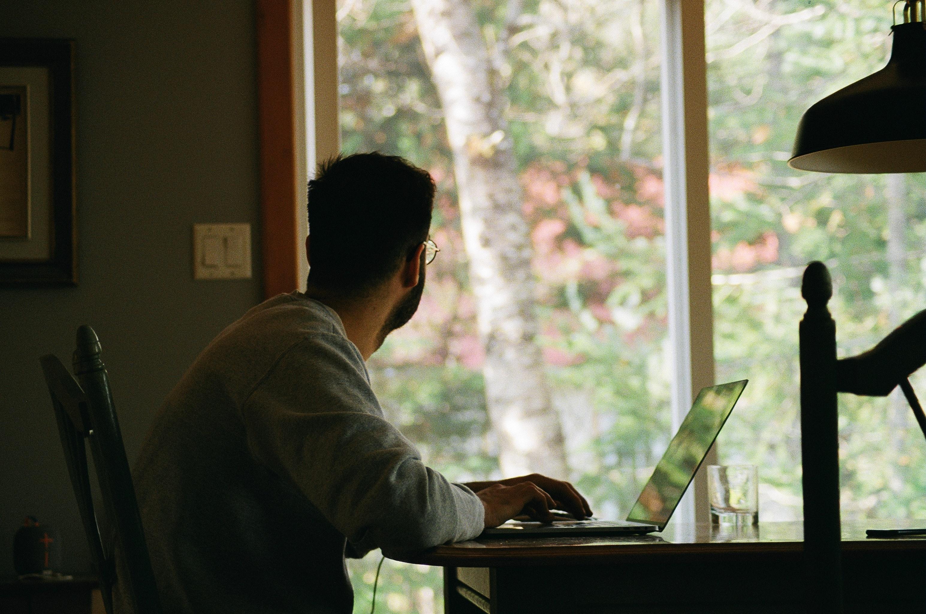 ¿Cómo mantenerse activo en el Home office?